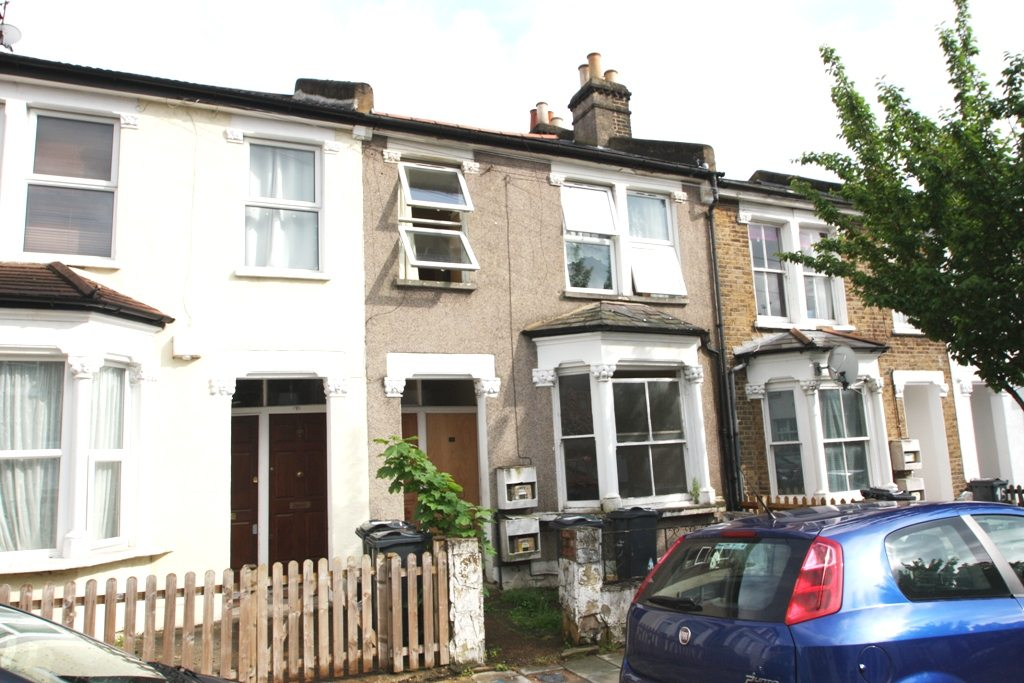 Great Two Bedroom Maisonette with Private Garden Danbrook Road
