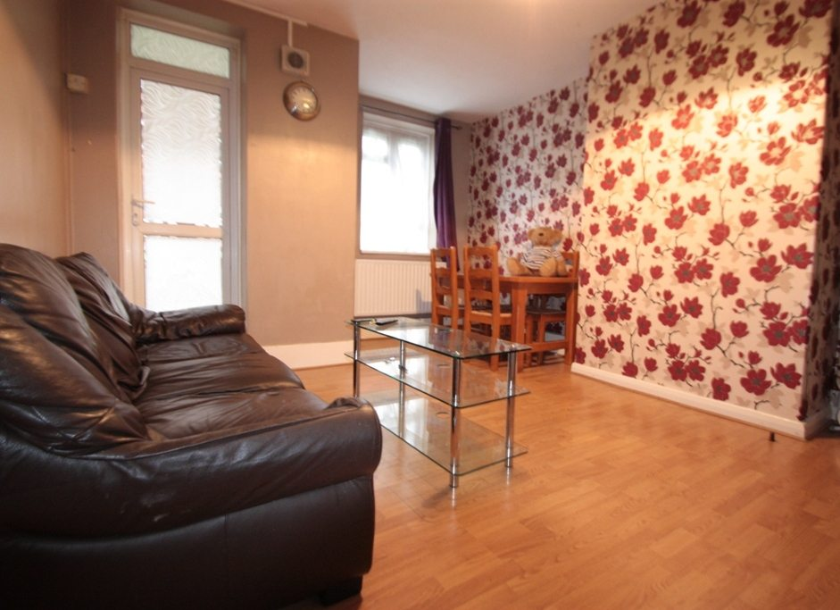Great Size Four Bedroom Ground Floor Flat Easton House West Norwood