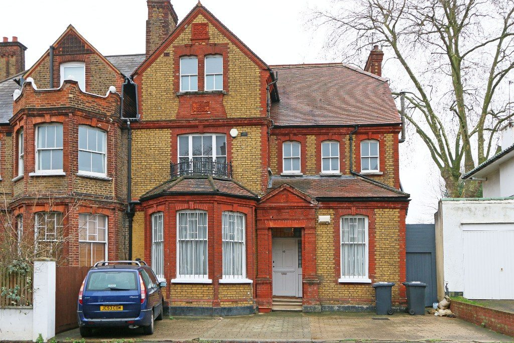 Beautiful Six Bedroom Three Bathroom Victorian House with Large Private Garden Thornton Avenue
