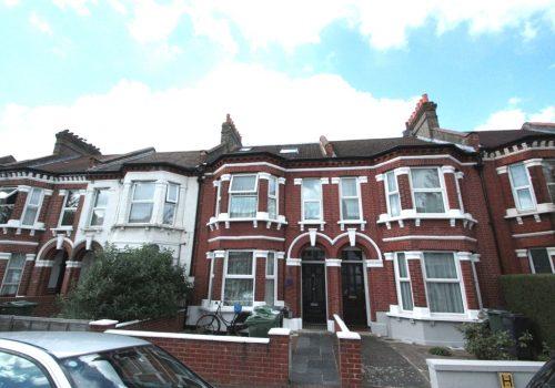 Great Size Two Bedroom Split Level Flat Pathfield Road