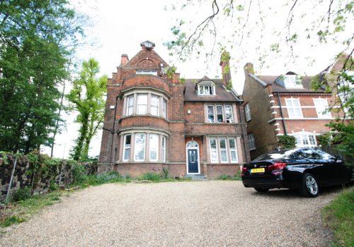 Large Spacious Three Bedroom Flat Streatham Common Northside