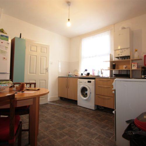 Two Double Bedroom Garden Flat Glasford Street