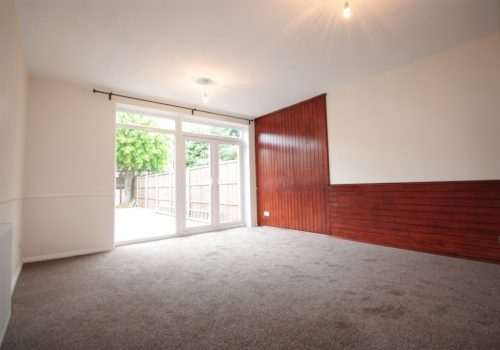 Brand New Refurbished Two Double Bedroom Garden House Woodbourne Close