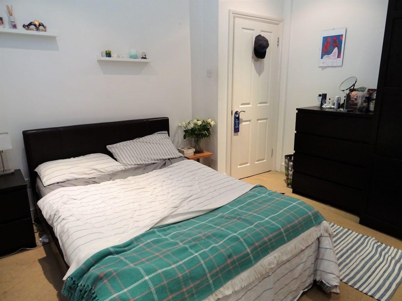Fantastic Three Double Bedroom Split Level Flat Handforth Road